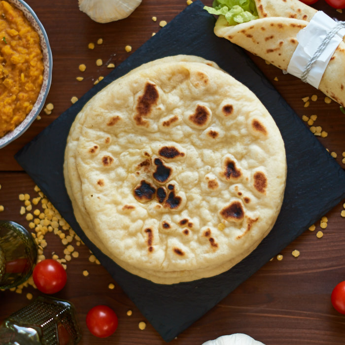 indisches Naan aus der Pfanne | Indian Naan Bread from Stove Top | Tawa Naan | Rezept auf carointhekitchen.com | #Naan #Brot #Bread #indian #indisch #Rezept #Recipe