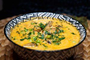 Champignon Erbsen Curry - Mushroom Matar - Rezept auf carointhekitchen.com