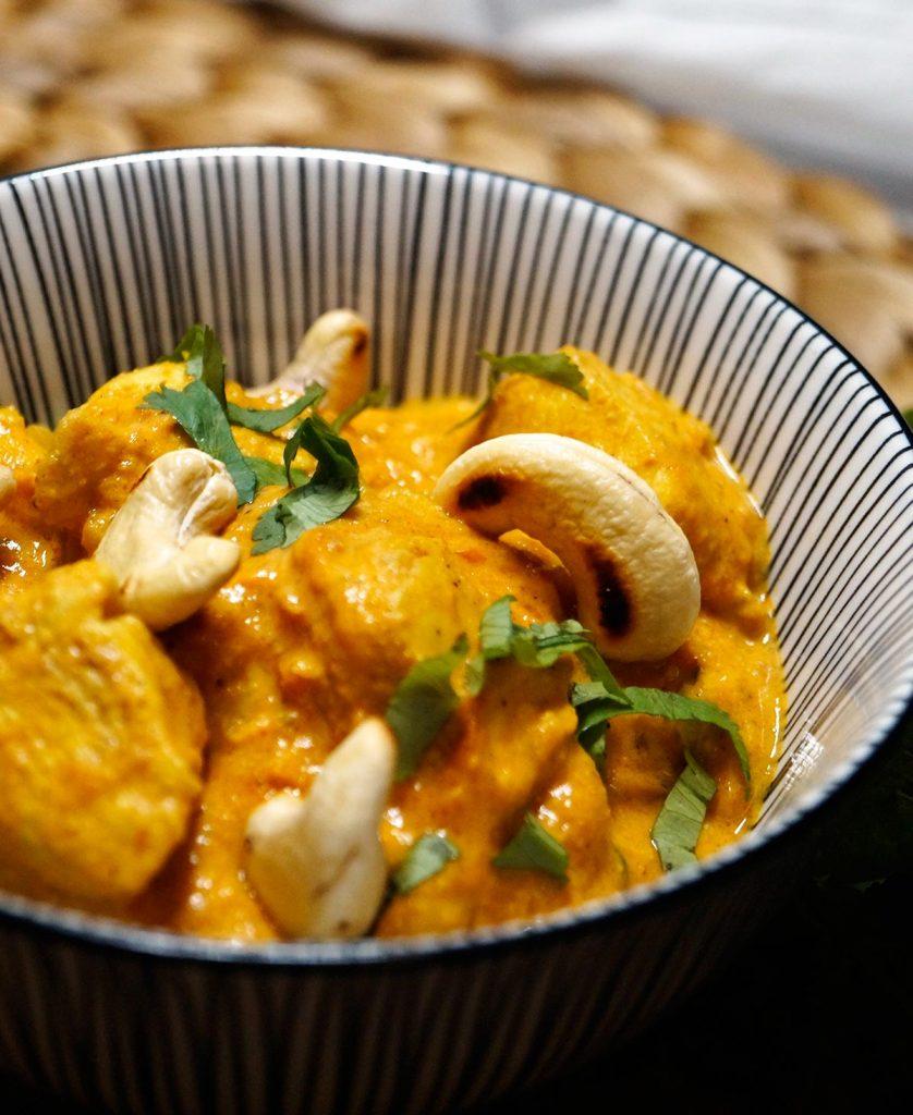 Chicken Korma - Hühnchen Cashew Curry - Rezept auf carointhekitchen.com