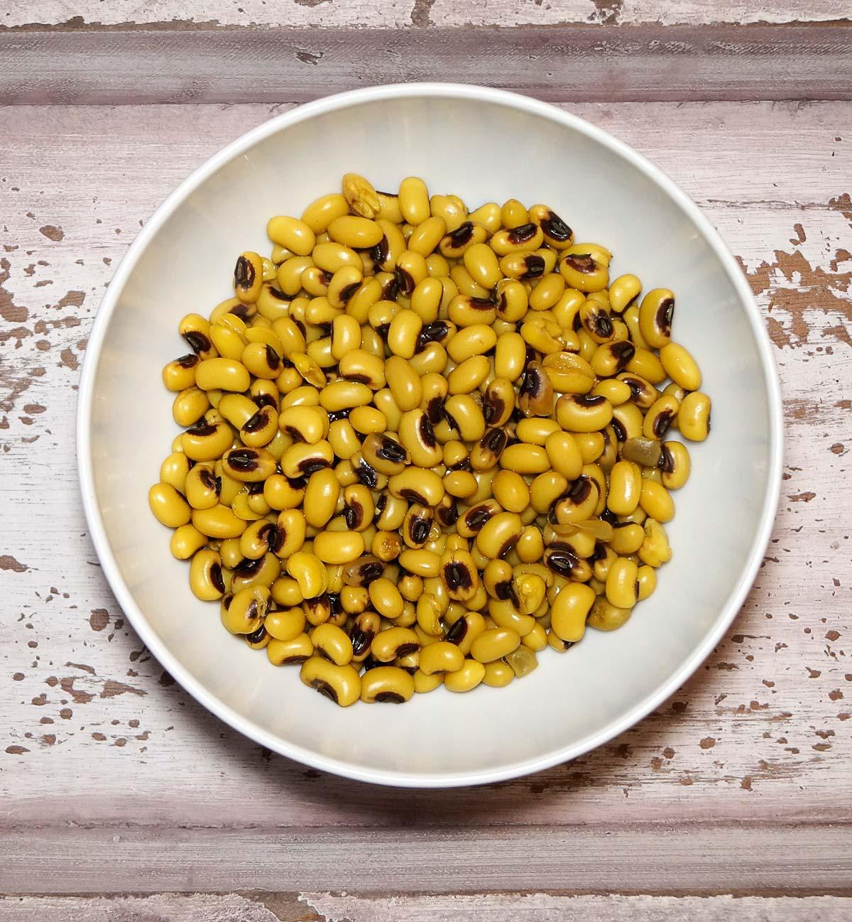 Lobia Palak - Schwarzaugenbohnen Spinat Curry - Rezept auf carointhekitchen.com