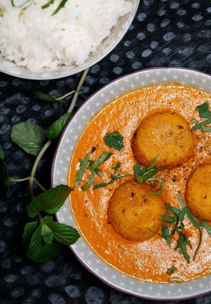 Aloo Kofta - Kartoffel Köfte Curry - Rezept auf carointhekitchen.com