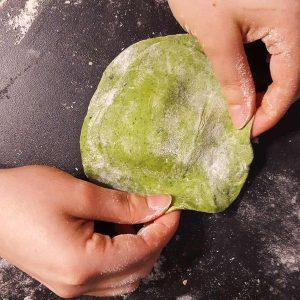 Palak Paratha - Spinat Fladenbrot gefüllt mit Hirtenkäse