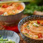 Rote Thai Curry Suppe mit Hähnchen und Pak Choi