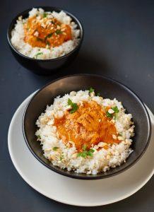 Chicken Tikka Masala   Curry mit gegrilltem mariniertem Hühnchen   Rezept auf carointhekitchen.com   #chicken #yoghurt #curry