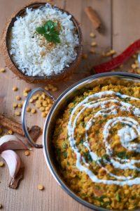 Palak Chana Dal | indisches Kichererbsen Spinat Linsengericht | Indian Chickpea Spinach Curry | Rezept auf carointhekitchen.com | #palak #chana #dal #kichererbsen #spinat #curry #chickpea #spinach #recipe #rezept