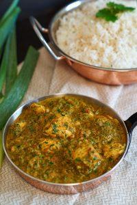 Palak Chicken | indisches Curry mit Hühnchen und Spinat | Indian Curry w/ Chicken & Spinach | Rezept auf carointhekitchen.com | #palak #chicken #Hühnchen #Spinat #Chicken #Spinach #indian #Curry #indisch