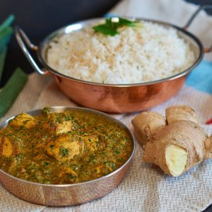 Palak Chicken | indisches Curry mit Hühnchen und Spinat | Indian Curry w/ Chicken & Spinach | Rezept auf carointhekitchen.com | #palak #chicken #Hühnchen #Spinat #Chicken #Spinach #indian #Curry #indisch