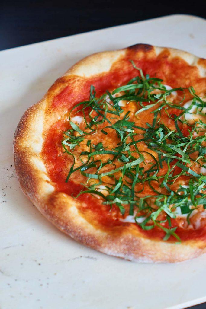 Pizzateig für Minimalisten | Pizza Dough | Rezept auf carointhekitchen.com #Pizza #Teig #Rezept #einfach #Pizza #Dough #Recipe #simple