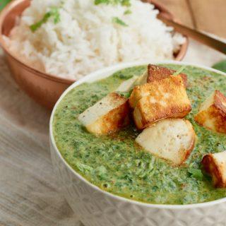 Palak Paneer - Indisches Curry mit Spinat und Paneer