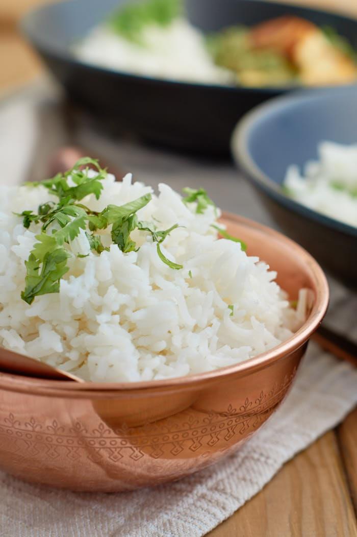 Palak Paneer | indisches Curry mit Spinat und Paneer (indischer Frischkäse) | Indian Curry with Spinach and Paneer | Rezept auf carointhekitchen.com