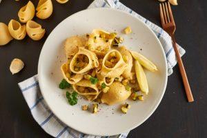 Zucchini Feta Pasta | Zucchini Feta Cheese Pasta | Rezept auf carointhekitchen.com/zucchini-feta-pasta/ | #pasta #nudeln #gericht #pasta #vegetarisch #gemüse #vegetables