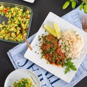 Kubanische Lebenslust: Rezept für Ropa Vieja - Geschmortes zerpflücktes Steak vom Rind in Tomatensauce | Cuban Ropa Vieja - braised shredded beef in tomato sauce | Rezept auf carointhekitchen.com | #recipe #rezept #beef #cuban #kuba #werbung